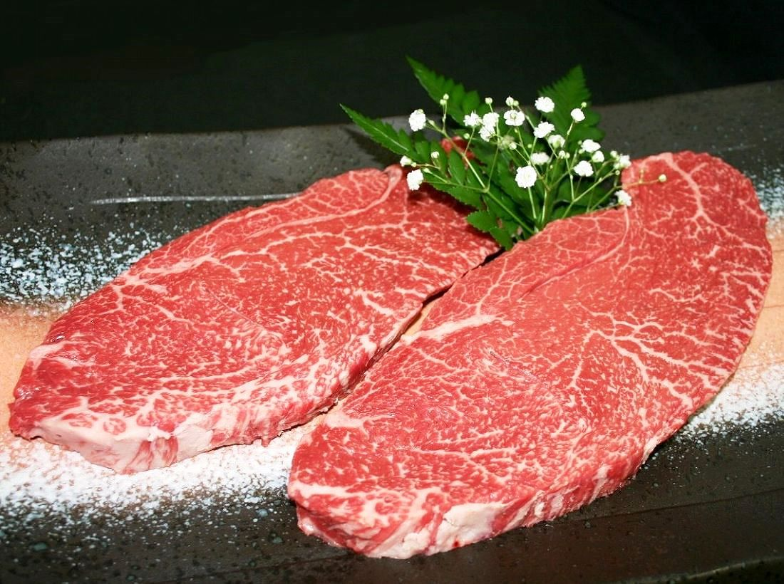 ランプステーキは米沢牛!脂ひかえめで味が濃厚な赤身肉です画像