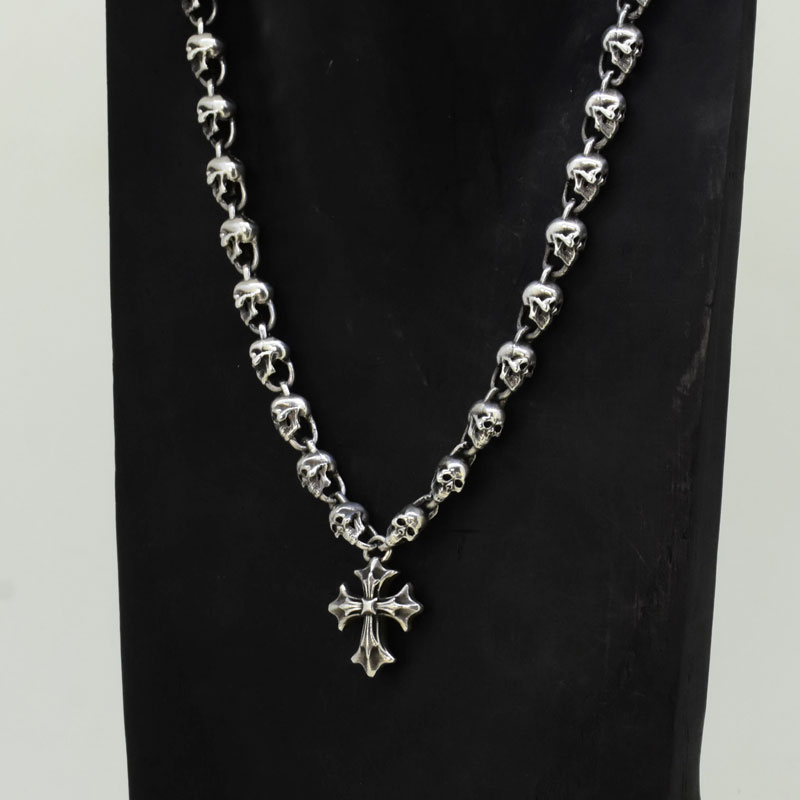 Skull Neckless with Cross Pendant画像