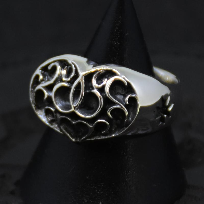 Oval-Arabesque-Heart-Ring の画像