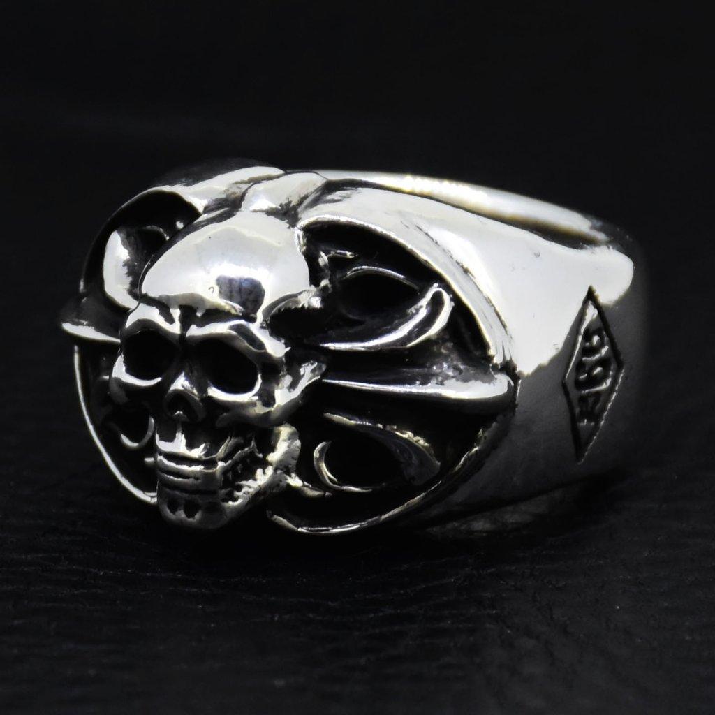 Oval-Skull-Cross-Ring の画像